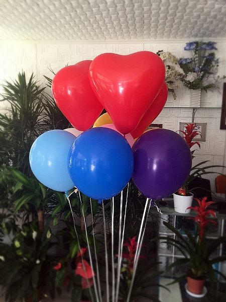 11 adet uçan balon demeti